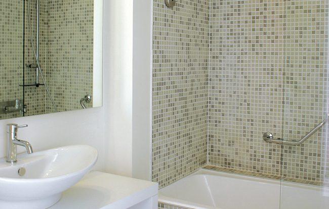 Badkamer verbouwen of renoveren bouwbedrijf jp leguijt - Huidige badkamer ...